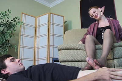 Delivery boy w foot fetish 80. She notices his glances down at her lustful high heels. She knows that look. This boy has a foot fetish. That makes her so horny.